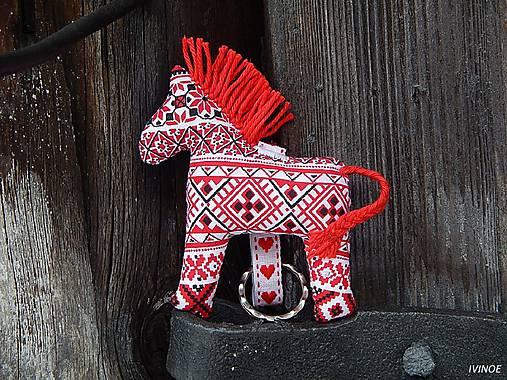 d3f400ed5 Prívesok na kľúče - koník / ivinoe - SAShE.sk - Handmade Kľúčenky