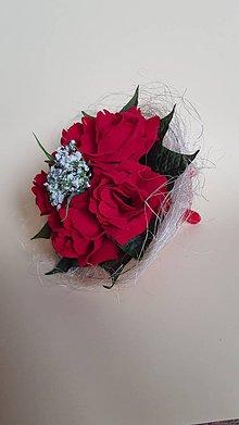 Dekorácie - gratulačná kytica z červených ruží aj pre pani učiteľku - 9325899_
