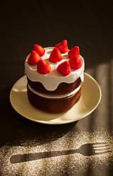 Hračky - Rýchla torta s jahodami - 9327080_