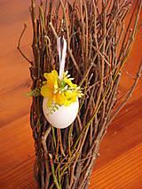 Dekorácie - Veľkonočné vajíčko - žlté kvietky - 9326166_