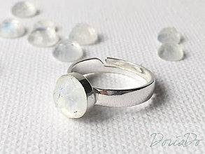 Prstene - univerzálny strieborný prsteň s mesačným kameňom Ag 925, 8 mm - 9328522_
