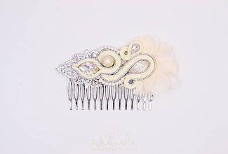 Ozdoby do vlasov - Svadba 2018 - Svadobný soutache hrebienok - 9331583_