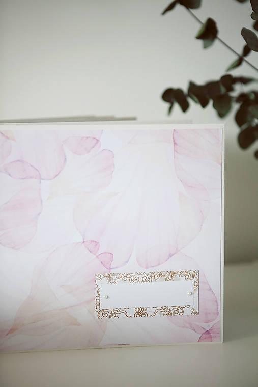 Kniha hostí / svadobný fotoalbum