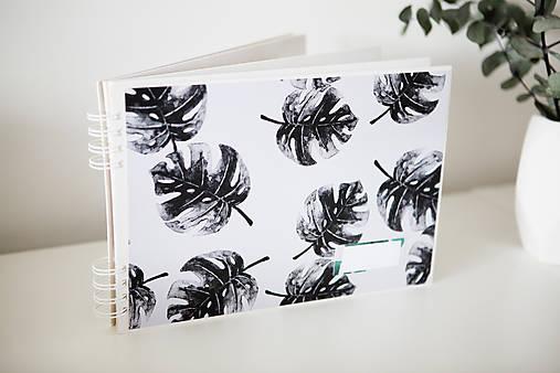 Kniha hostí / album / herbár