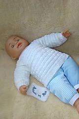Ručne pletený svetrík pre novorodeniatko