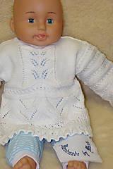 Ručne pletený svetrík pre polročné dieťatko.