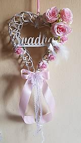 svadobné srdce na dvere ružové s holúbkami