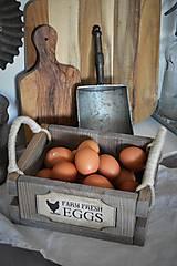Nábytok - Farmárska debnička na vajíčka a všeličo iné... - 9336299_
