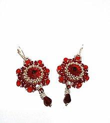 Náušnice - Červeno-strieborné korálkové náušnice so Swarovski rivoli - 9337980_