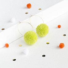 Náušnice - Svetlozelené brmbolcové náušničky - 9340195_
