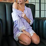 Pyžamy a župany - Kvalitný župan Dyona olemovaný orignálnou krajkou rôzne farby - 9337827_