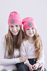 Flexi čiapka s aplikáciou - Neón ružová