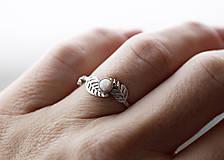 Prstene - Vetvičkový prsteň s lístočkami a opálom - 9344203_