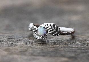 Prstene - Vetvičkový prsteň s lístočky a opálom - 9344204_