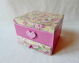 Krabičky - Šperkovnica so zrkadlom Malinové srdiečko - 9344472_
