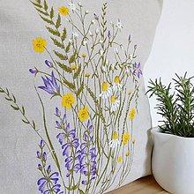 Úžitkový textil - Vankúš zakvitnutá lúka - 9346732_