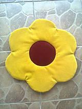 Podsedák kvetinka žltý