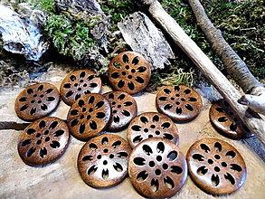 Galantéria - drevený gombík kvietok - 9348872_