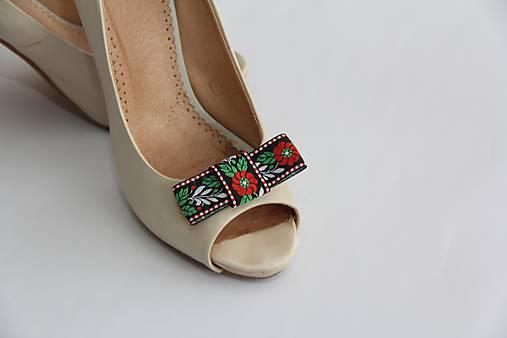 2171e20ef Foklórne klipy na topánky II rôzne farby (Čierne II) / Myrtille ...