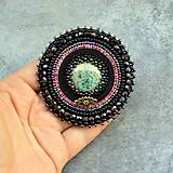 Odznaky/Brošne - Black&violet - vyšívaná brož - 9354254_