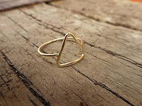 Prstene - Prstienok trojuholník zlatý - 9353281_