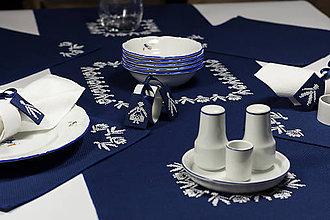 Úžitkový textil - Veselica - folk vyšívané prestieranie - 9355350_