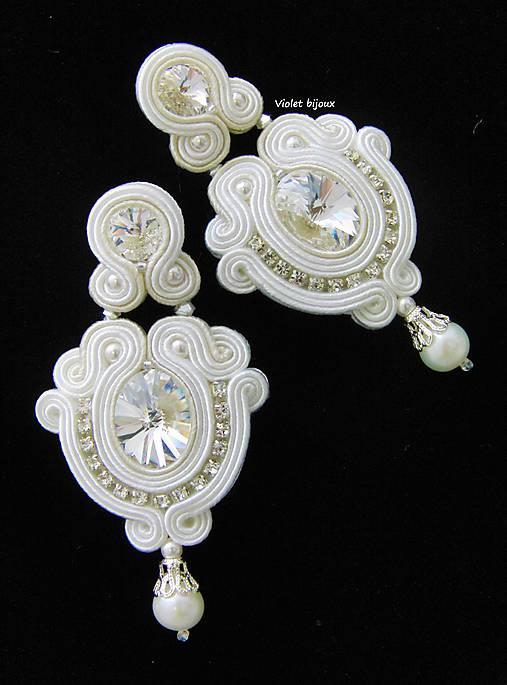 White & Ivory Wedding