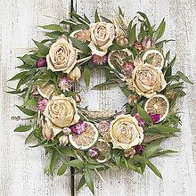 Dekorácie - Celoročný veniec Ruže a citrusy - 9358232_