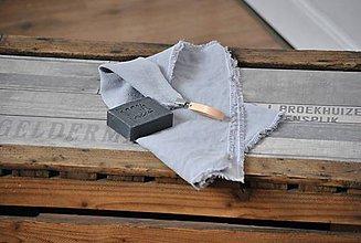 Úžitkový textil - ľanový uterák s odnímateľným koženým pútkom (svetlosivý) - 9357832_