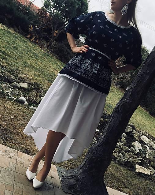 Folklorny top a sukňa