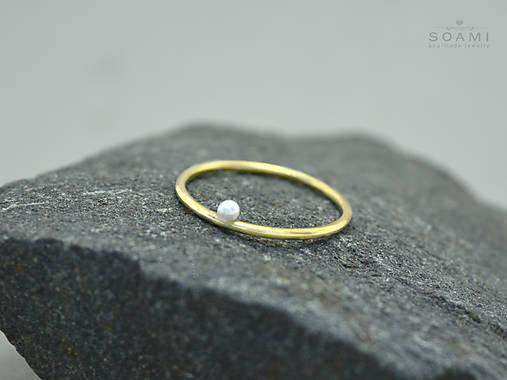 14k zlatý prsteň s prírodnou perlou
