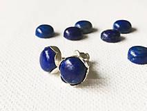 Náušnice - strieborné napichovačky kvietky s lapisom lazuli Ag 925, 8 mm - 9362194_