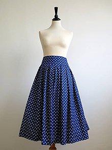 Sukne - modrá folk sukňa s malými kvietkami - 9362558_