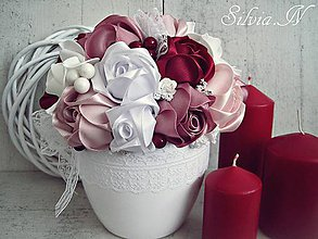 Dekorácie - Ruže zo saténových stúh :) - 9359935_