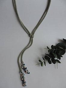 Náhrdelníky - Náhrdelník - olivovošedý s korálkami - 9362049_