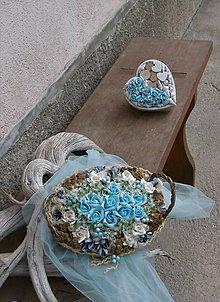Dekorácie - Tyrkysové ruže v košíku - 9363427_