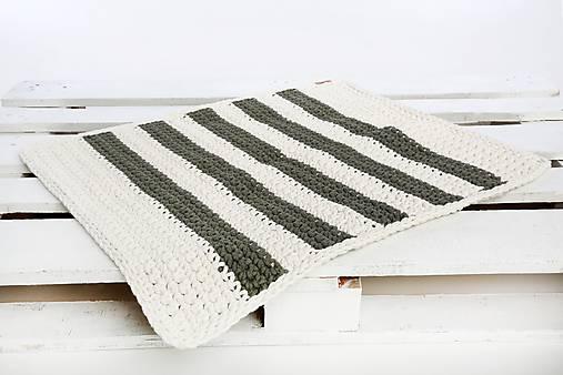 a0560a1d8569 Pletený koberec (krémovo biely- olivový)   LAF - SAShE.sk - Handmade ...