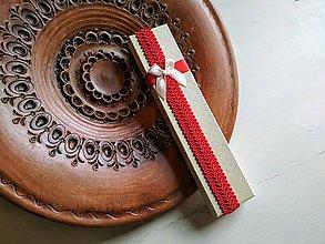 Obalový materiál - Darčeková krabička papierová Smotanová s červenou - 9366040_