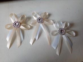Darčeky pre svadobčanov - Biela - kapucino svadobné pierka - 9366325_