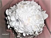 Kytice pre nevestu - Saténová svadobná kytica pre nevestu - 9367002_