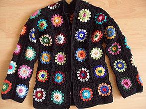 Svetre/Pulóvre - Háčkovaný sveter - čierny-kvetinkový S - 9368627_