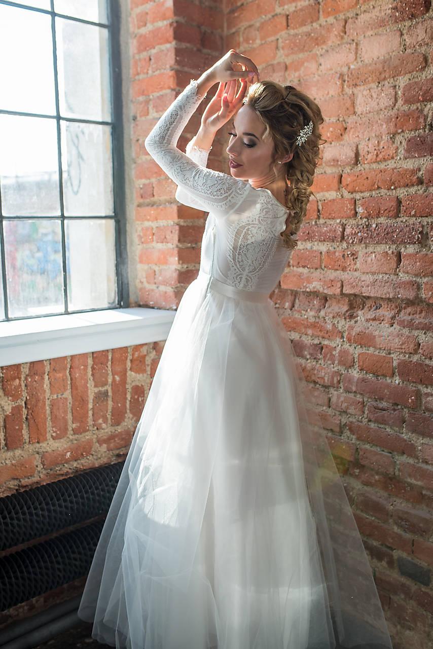 a90dde62179f ... Šaty - Svadobné šaty s dlhým rukávom a tylovou kruhovou sukňou -  9366439