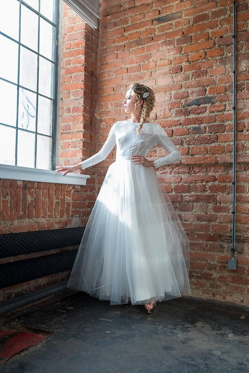 5ce12de26ff9 Svadobné šaty s dlhým rukávom a tylovou kruhovou sukňou   Dyona ...