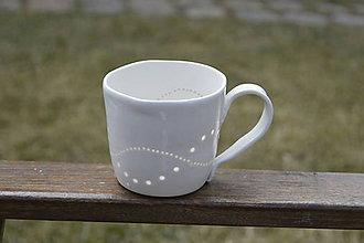 Nádoby - Madeirová porcelánová šálka na čaj (Vlnky) - 9367137_