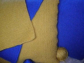 Úžitkový textil - Pletený vankúš hráškový  modrý a zlatý - 9370036_