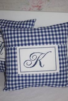 Úžitkový textil - POVLAK...výšivka K - 9372026_