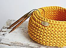 Pletený košík - žltý