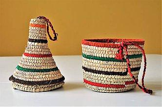 Krabičky - Africký košíček dekorovaný farebnou vlnou, Pletený kanister s vekom - 9374143_