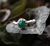 Prstene - Vetvičkový strieborný so smaragdom, pre princeznú - 9374572_