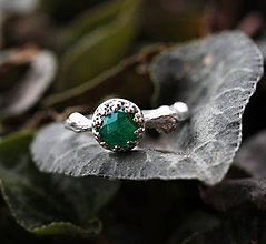 Prstene - Vetvičkový strieborný so smaragdom, pro princeznu - 9374572_